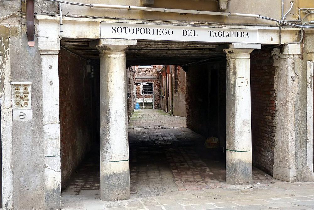 Sotoportego del Tagliapiera