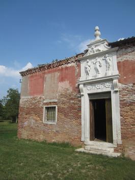 Portal Santi Patroni (siglo XVI)