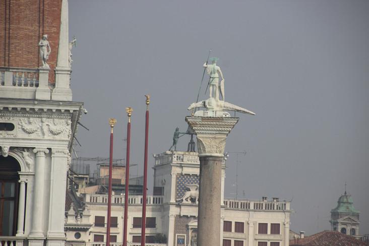 Detalle columna San Teodoro