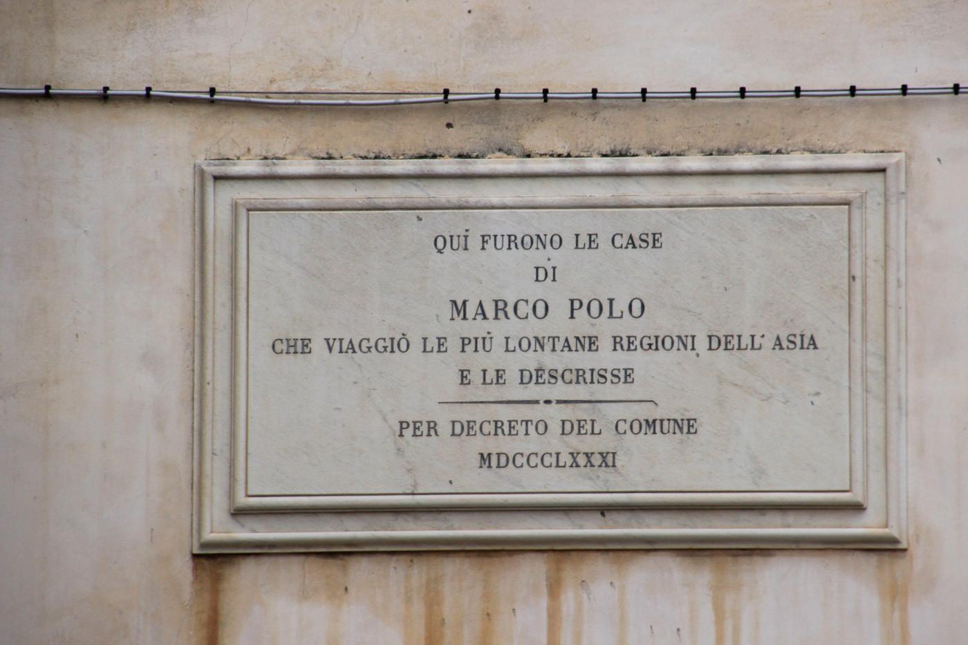 Placa que señala nacimiento Marco Polo