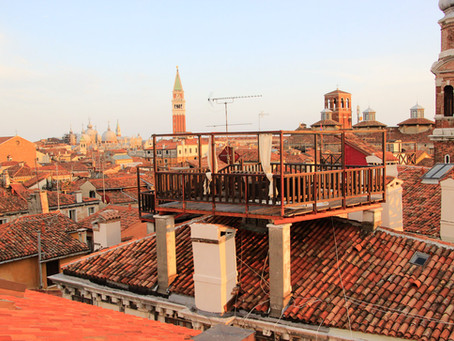 Life on the roofs of Venice: altanas