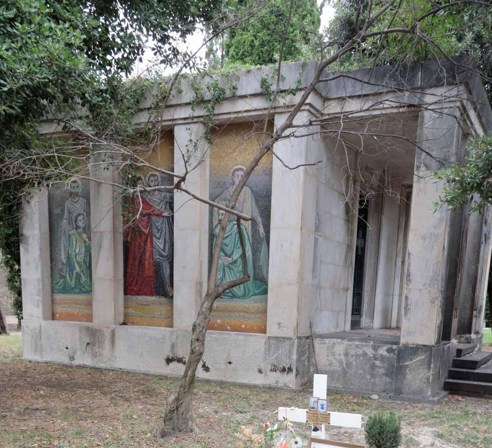 Mosaicos en un monumento de la zona griega