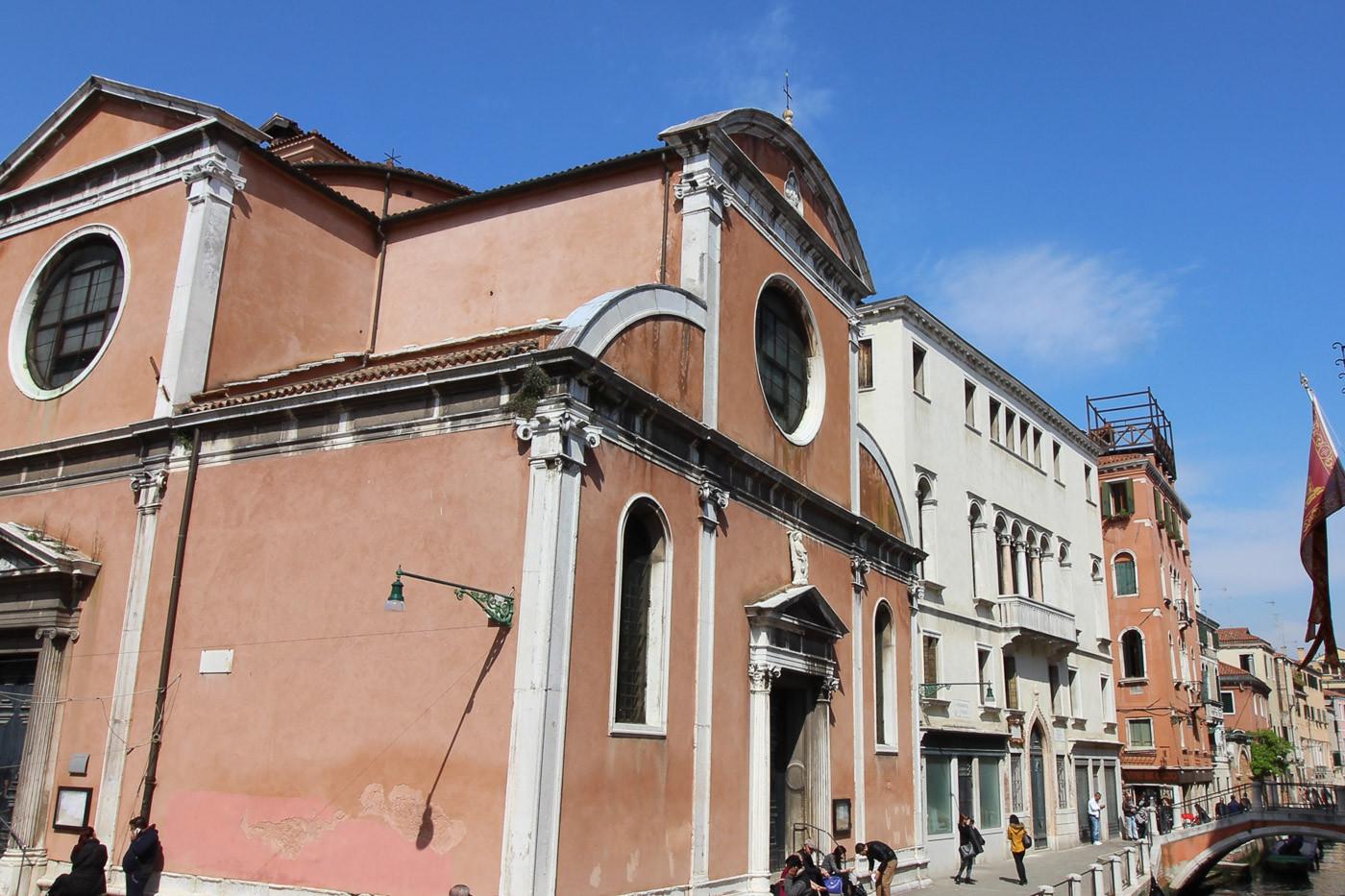 Detalle fachada al Río San Felice