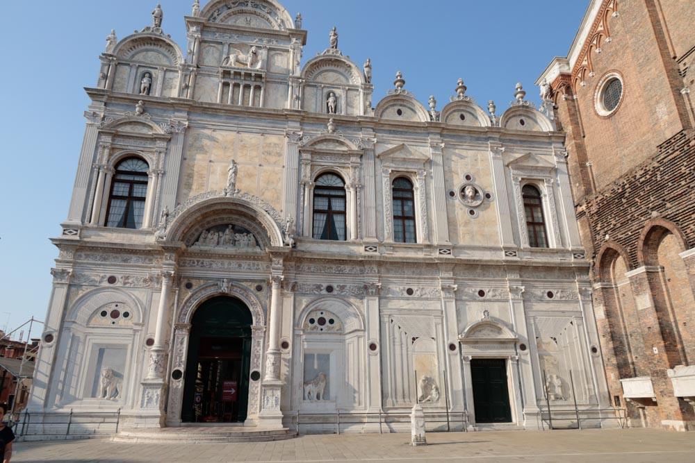 La fachada de la Scuola Grande di San Marco