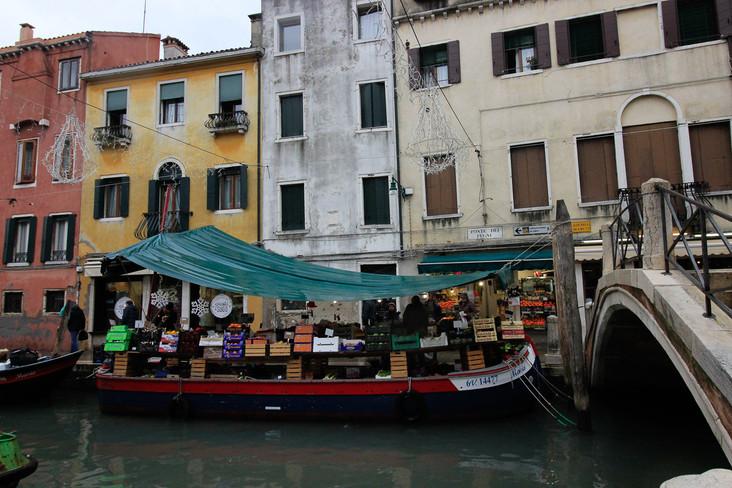 El mercado San Barnaba