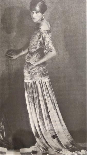 Peggy retratada por Man Ray en 1924