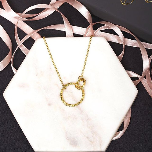Large Interlocking Chain Circle Necklace