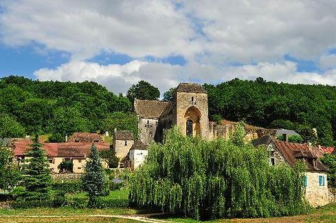 Saint-Amand-de-Coly.jpg
