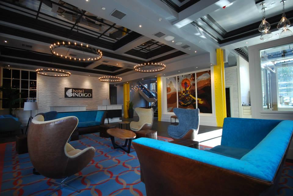Hotel Indigo loby