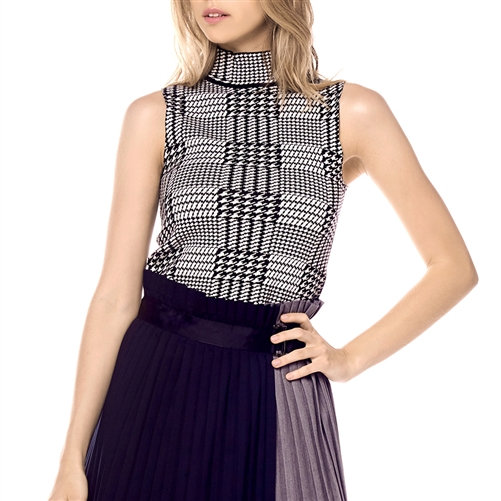 B&W Houndstooth Sleeveless Knit Top