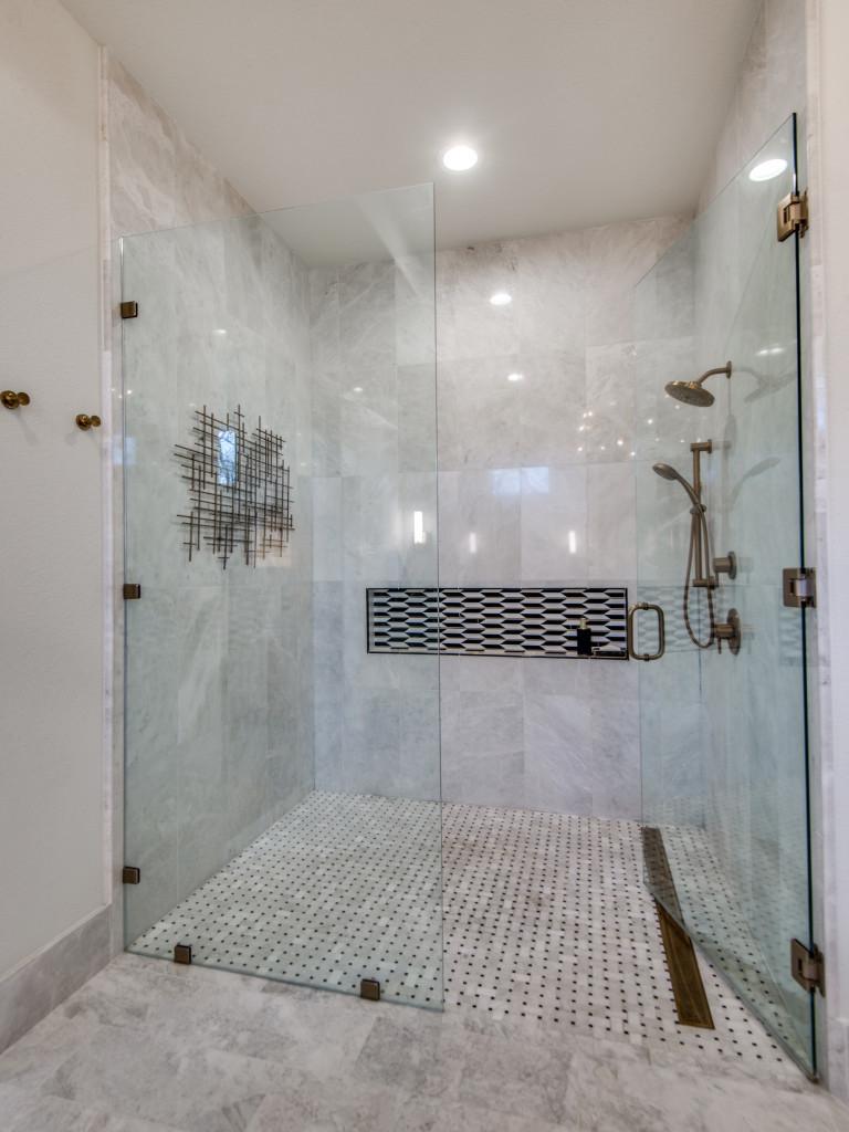 Beautiful Walk-in Shower