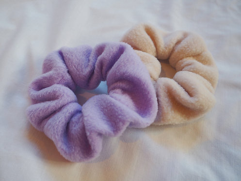 FLEECE SCRUNCHIE