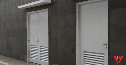 panca harapan steel door.jpg