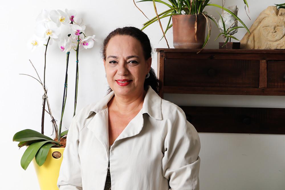 Selma tem obras espalhadas por toda cidade de Vitória e encoraja mais mulheres a serem realizadas na vida. Crédito: Diêgo Albuquerque Fotografia