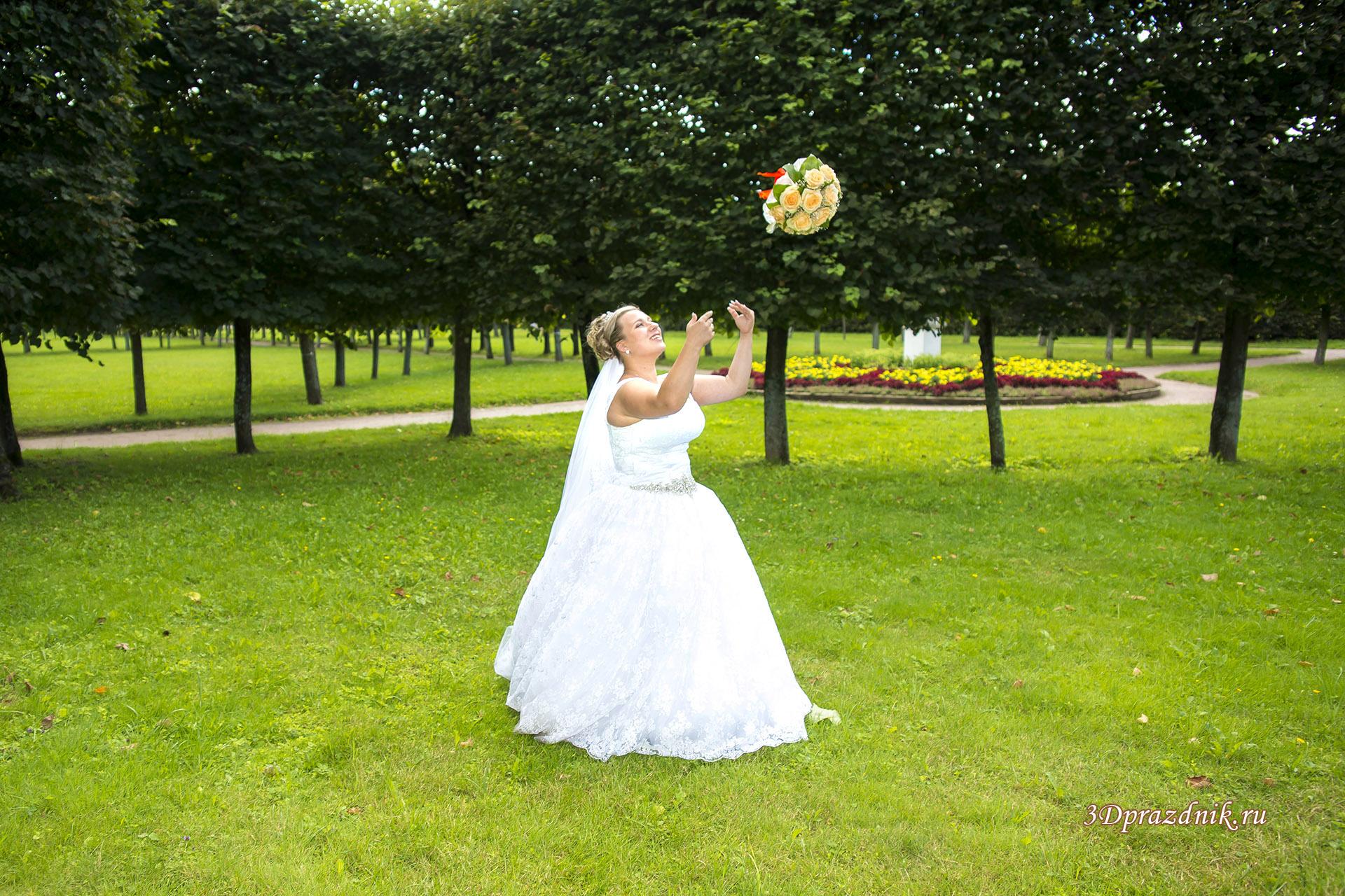 Невеста Юлия и невесомый букет