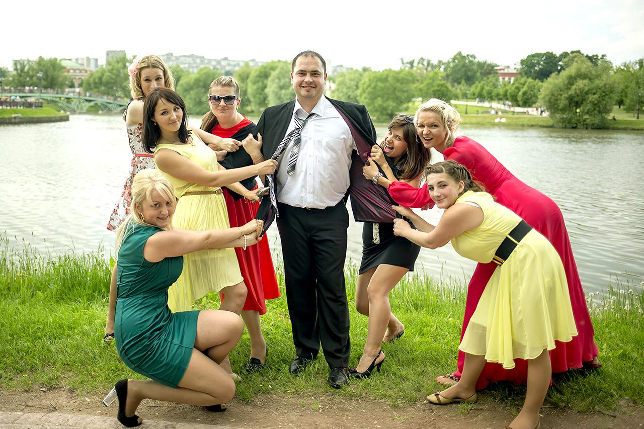 Жених Сергей и подружки невесты