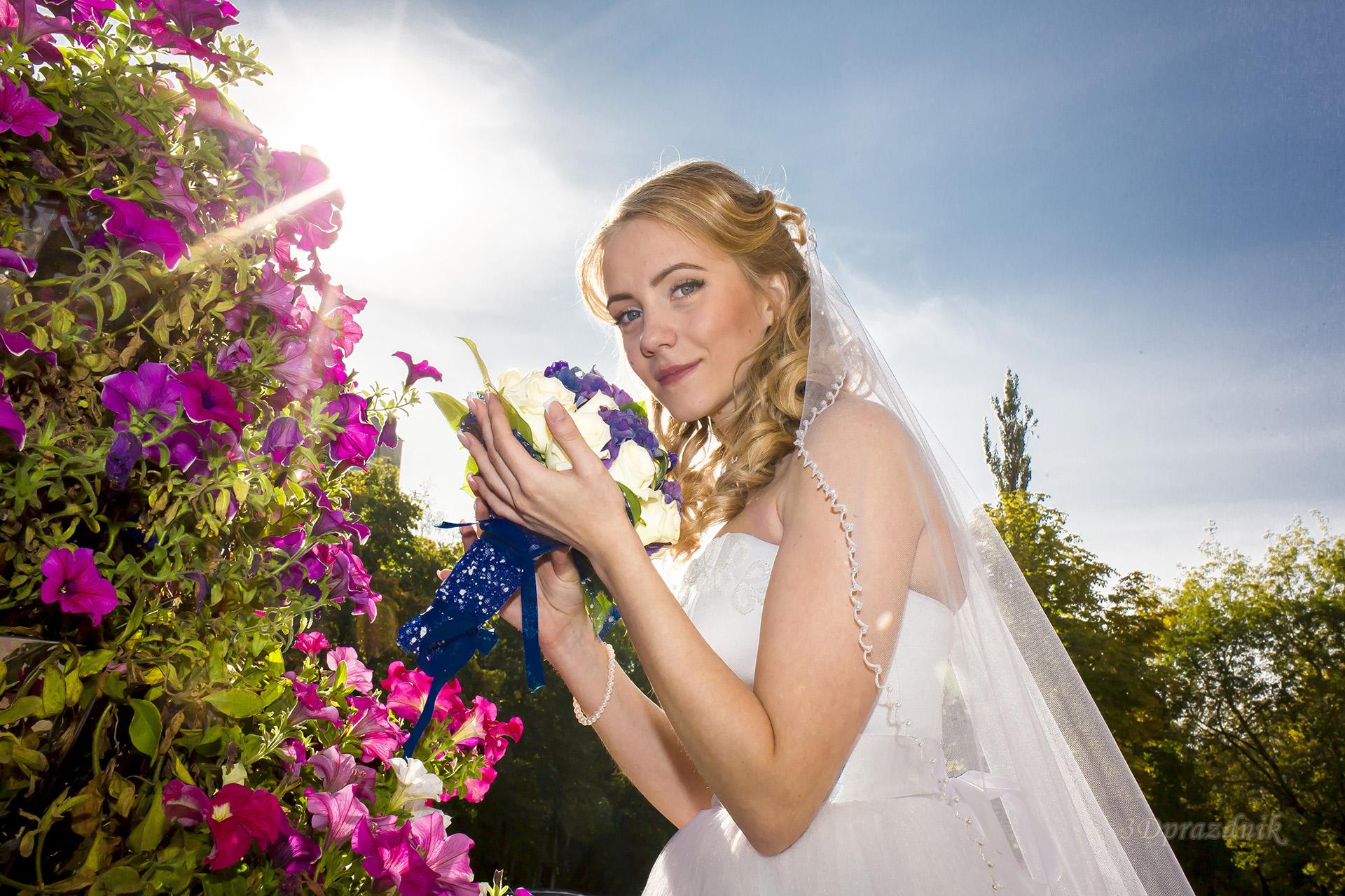 Невеста в солнечных цветах