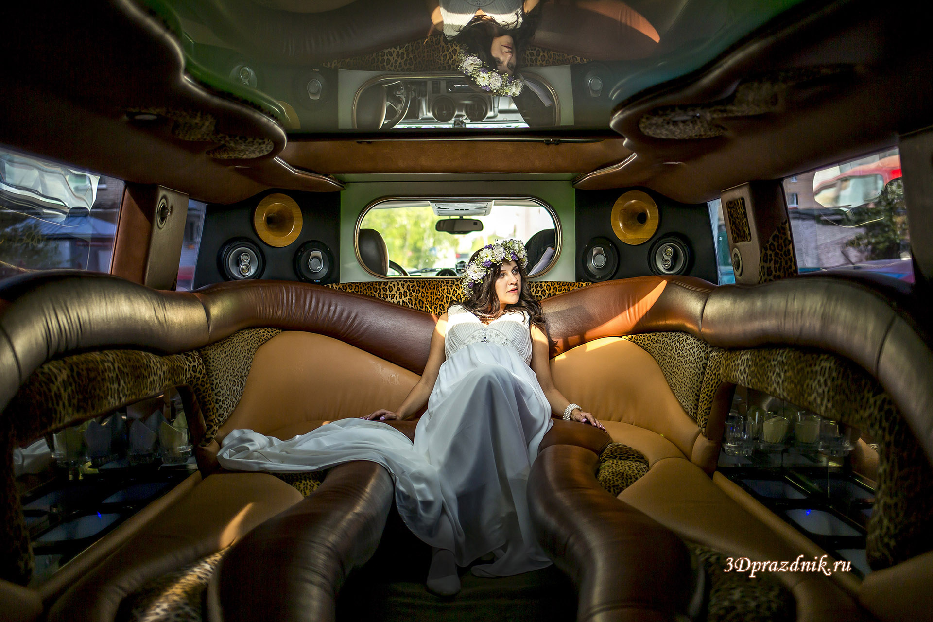 Невеста Елена. Свадебный лимузин
