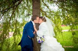 Максим и Светлана свадебный поцелуй