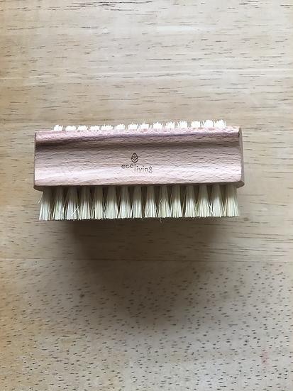 Natural nail brush