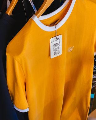 shirts-hanging-2356344.jpg
