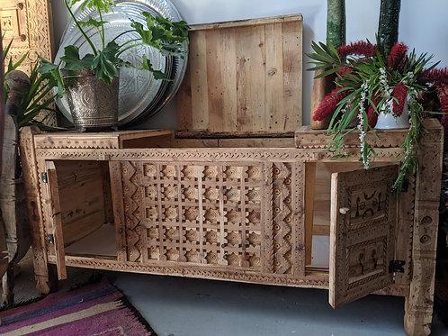 Dresser/storage unit