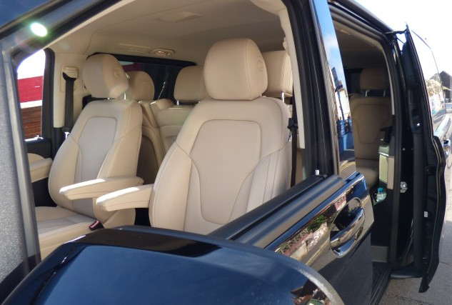 SDXCars_V_Class_interior3.jpg