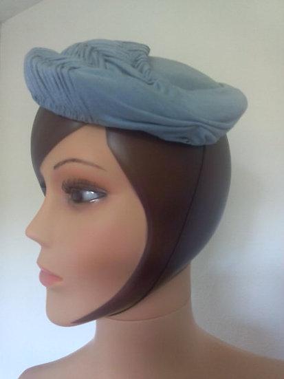Petit chapeau année 50/60 coton bleu ciel