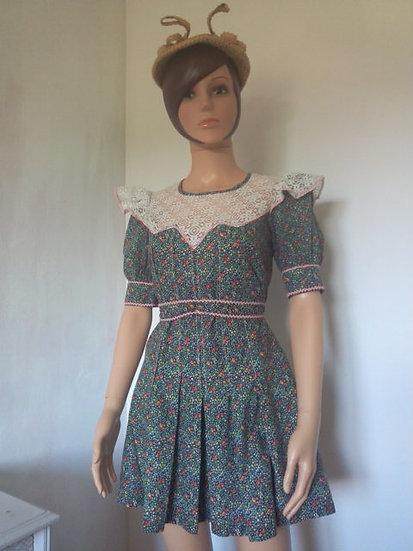 Robe courte rétro fillette ou taille 34/36