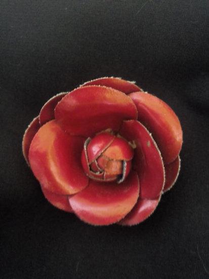 Broche fleur bordeaux
