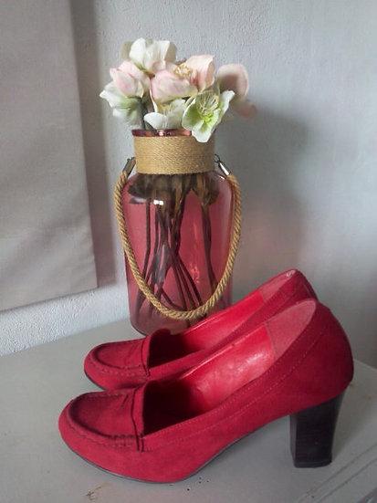 Chaussures talon imitation daim rouge P 38/39