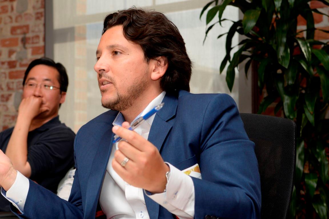 2015 Latino Tech Leaders Photos (91) (Me