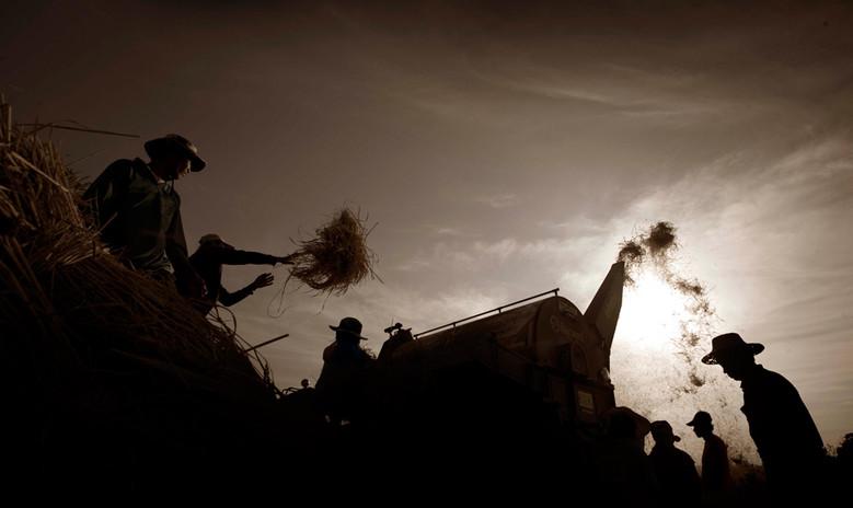 Farmers in Laos Photo by Paul Jones for ACIAR, Partners Magazine