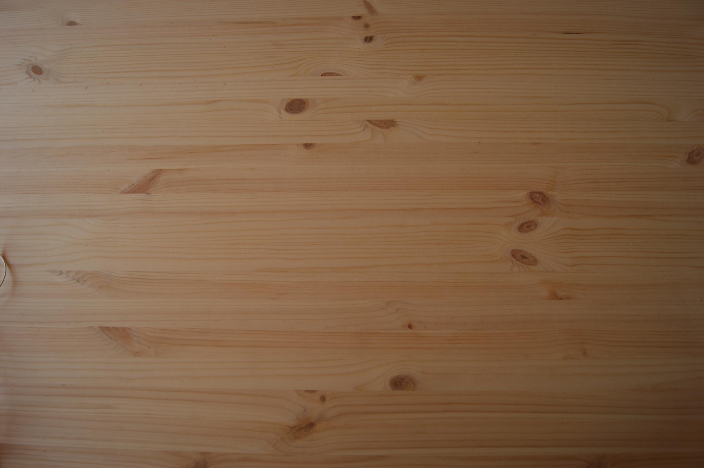 llistons de fusta encolats