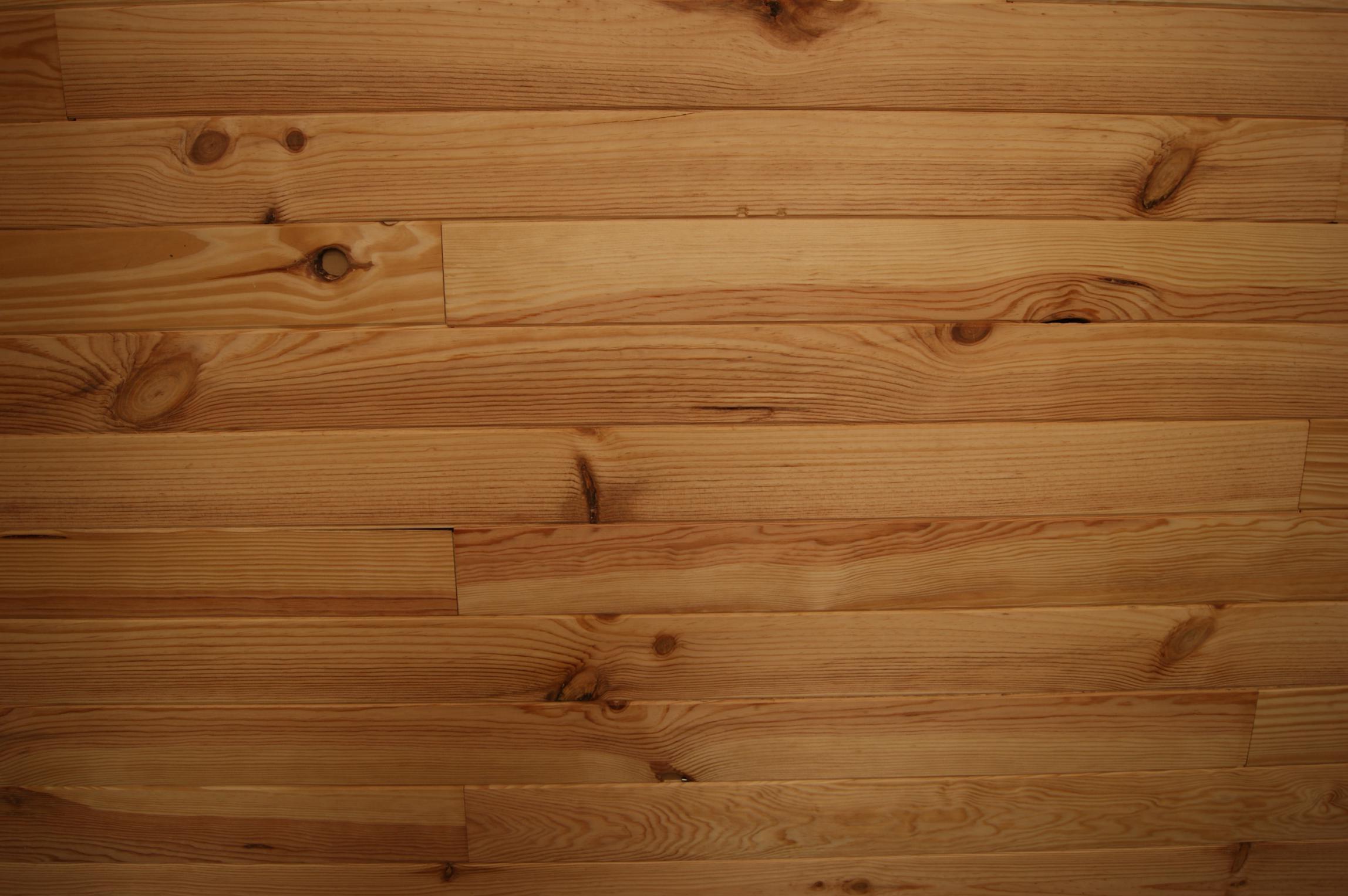 lames de fusta