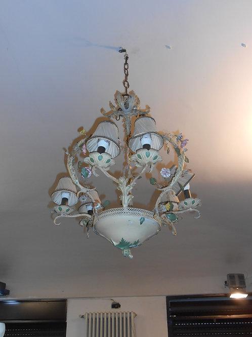 Lampadario a sei luci in ferro e porcellana