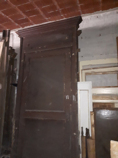 Gruppo di sei porte con chiambrana