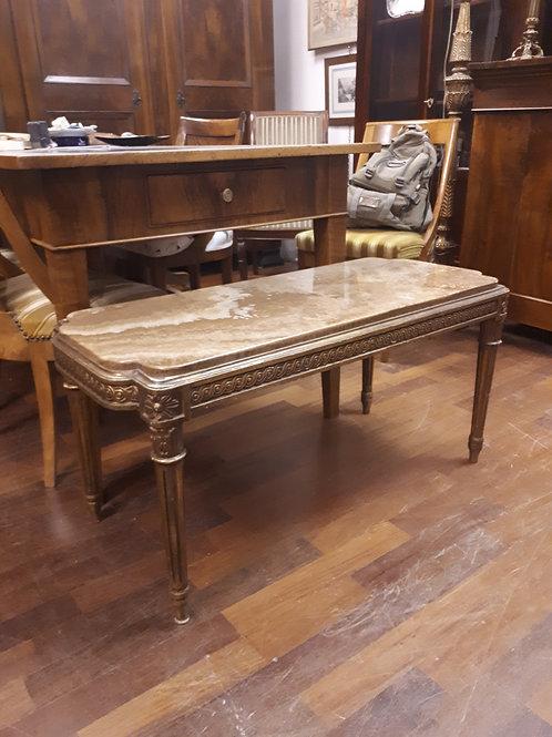 Tavolino da salotto in stile