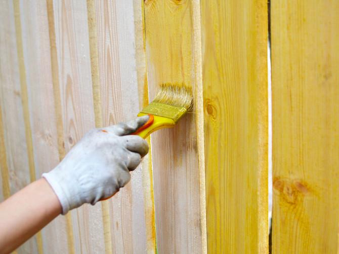 Чем защитить деревянную конструкцию?