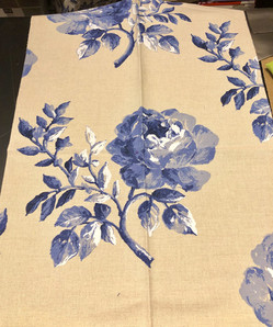 Periwinkle roses on linen