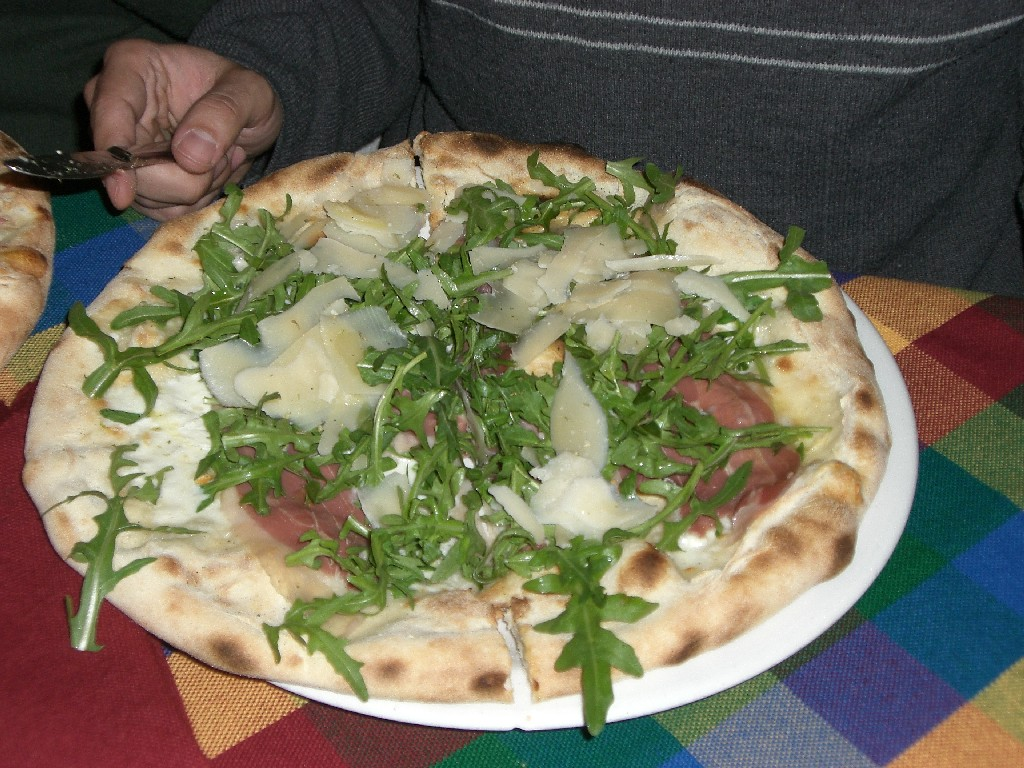 Pizza (pizzeria en face)