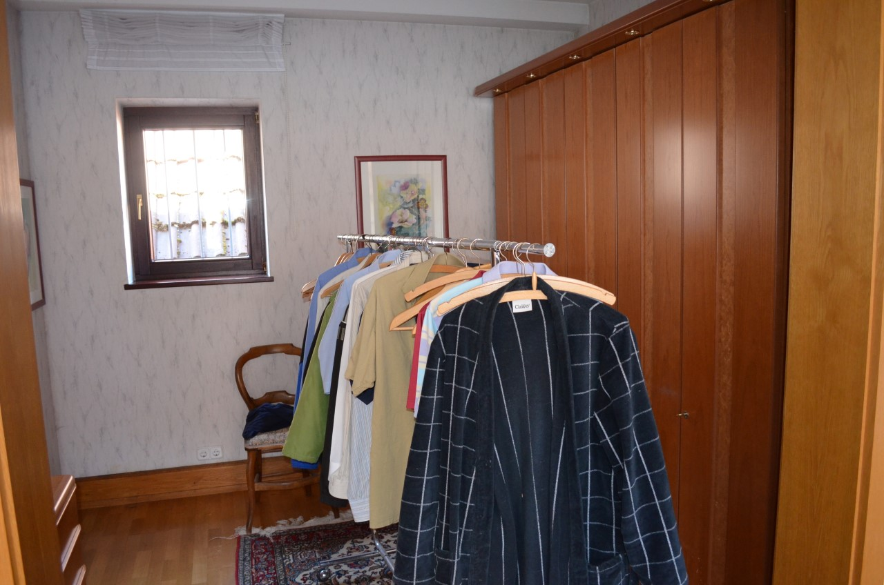 VK-1412 Haus links Obergeschossbereich (