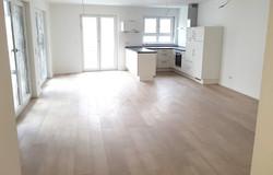 VM-13335 mit Küche (1)