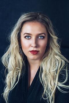 Paulina Bielarczyk portrait.JPG