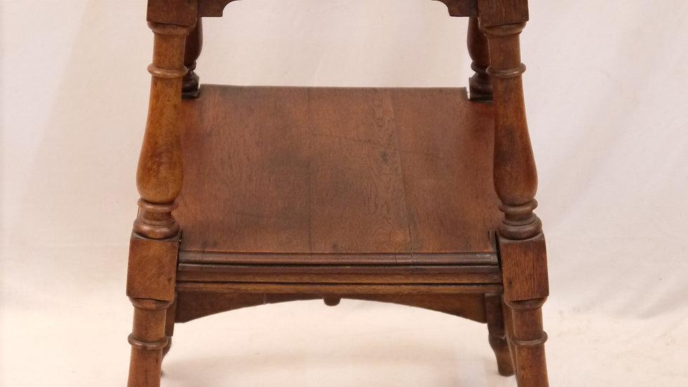 Schöner, origi. Historismus-Beistell-Tisch, Eiche um 1880