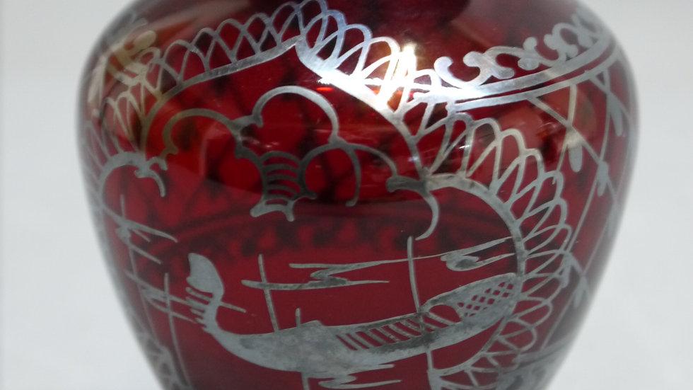 Stilvolle, kleine, rubinrote Glas-Vase mit Silber-Dekor