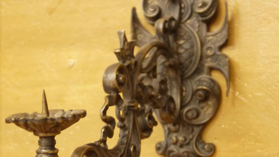 Sehr schöner Bronze-Wandleuchter für Kerzen, im Stil des Historismus
