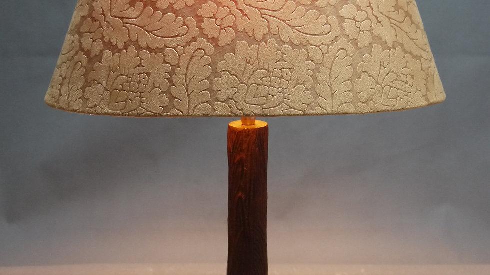 Elegante Tisch-Lampe, mit ovalem Stoffschirm...