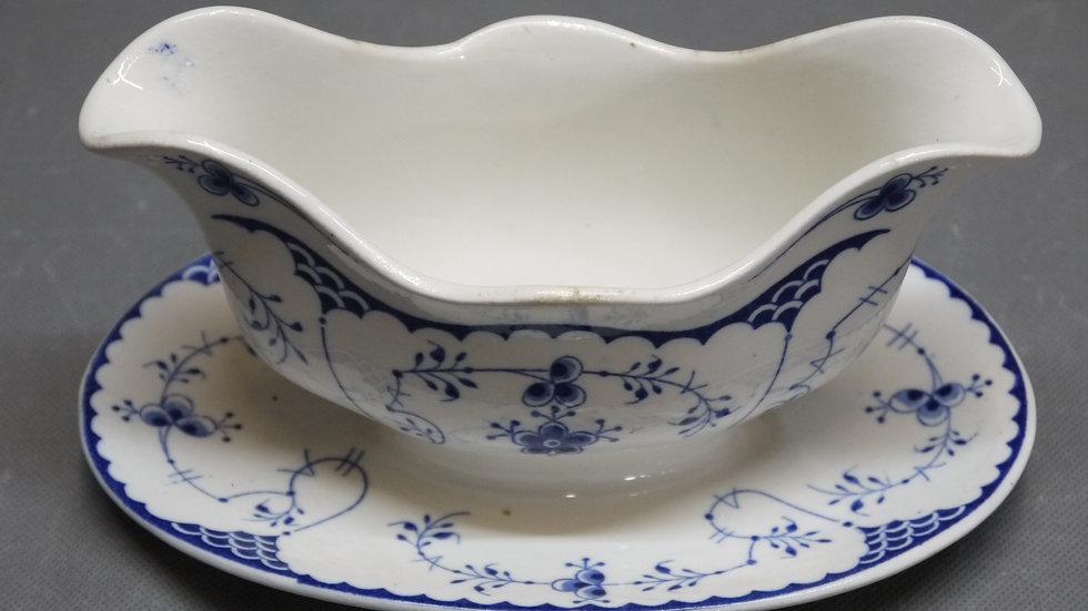 Sehr schöne, alte Keramik-Sauciere, Villeroy & Boch...