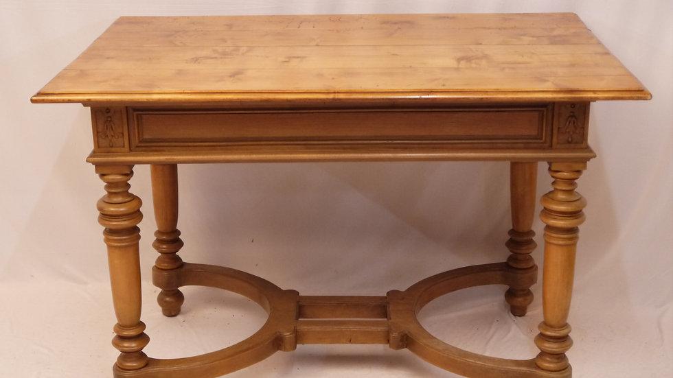 Schöner alter Tisch im Stil des Historismus...